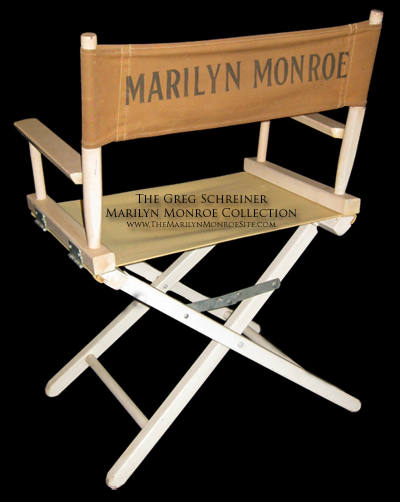 ... chair known to exist today. Note in the photo below fans on the set of u201cBus Stop.u201d One must wonder if they realize super-star Marilyn Monroe is directly ...  sc 1 st  The Marilyn Monroe Site & Marilyn Monroe on the Set u2013 The Marilyn Monroe Site